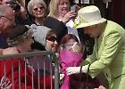 """Londra: il corteo per i 90 anni della Regina Elisabetta II, dal """"suo punto di vista"""""""