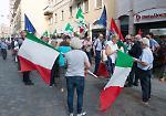 Il presidio del Pd a sostegno del presidente Mattarella