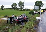 FOTO Schianto frontale tra due auto: 3 morti