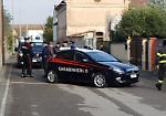 L'arrivo dei Ris di Parma davanti alla casa dove è morto l'11enne Marco Zani