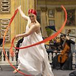 """Dancing Bass"": performance di musica barocca e danza moderna"