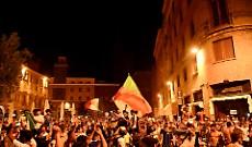 Caroselli e fuochi d'artificio:  a Cremona la festa per il trionfo dell'Italia