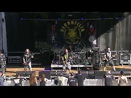 VIDEO L'esibizione della band Necrofilia