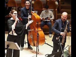 Nicky Nicolai al Museo del Violino: Mina, ironia e leggerezza