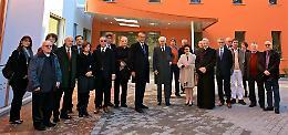 Nuova casa di riposo, visita del vescovo Lafranconi e del cavalier Arvedi