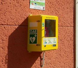 Defibrillatori negli impianti comunali, posa in fase di ultimazione