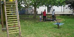Parco giochi sporcato dai cani