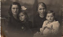 Immagini dagli album di famiglia