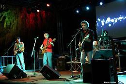 Rock, canzoni d'autore e dintorni a Trescore Balneario (Bg) con i Rusties