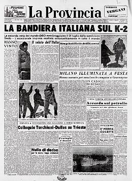 La bandiera italiana sul K-2