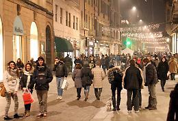 Natale in centro, bus gratuiti e 380 parcheggi agevolati