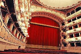 Dialoghi intorno al teatro,  Incontri con gli artisti della stagione di prosa