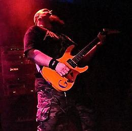 """Rassegna """"Cult Music Review"""": sabato Jeff Hanneman Tribute NIght, Mechanix e Banana"""