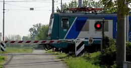 Uccisa dal treno, Europa Verde: serve piano di soppressione dei passaggi a livello