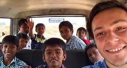 In India ad aiutare gli orfani: 'I loro sorrisi mi fanno amare la vita'