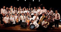 Unicef, in piazza Marconi l'Orquesta de Reciclados