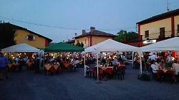 Notte romantica nel borgo. Una cena con le candele