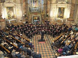 Chiesa gremita per il concerto dell'orchestra di fiati dell'Associazione Musicale 'Il Trillo'