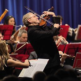 """Cremona. Shlomo Mintz al Museo del violino con il """"Vesuvius"""" 1727 di Stradivari"""