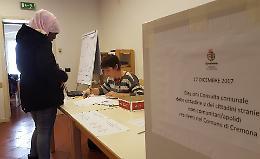 Consulta stranieri, pochi al voto ma al seggio tanto entusiasmo