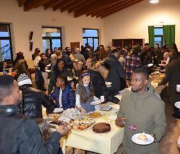 Giornata del migrante e del rifugiato, folla al Migliaro