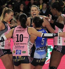 Pomì Casalmaggiore - Linamar 3-0 (25-22; 25-18; 25-17)