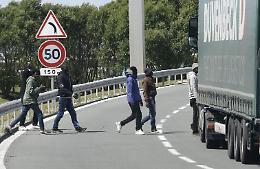 Caorso, clandestini nascosti nel camion: volevano arrivare in Spagna