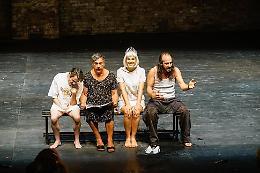 Gli spettri di Leonardo Lidi e il fantasma di Ibsen alla Biennale Teatro