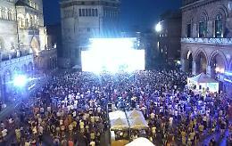 Radio Bruno Estate, le star della canzone 'incendiano' Cremona