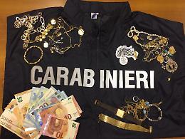 Furto, gioielli e denaro restituiti ai proprietari