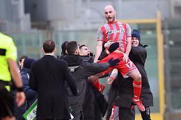 La Cremonese affonda la capolista: Palermo battuto 2-0