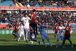 Cremonese, brutto ko 2-0 a Cosenza: i calabresi agganciano i grigiorossi
