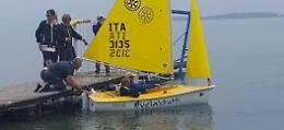 Diversamente abili, varata a Moniga la barca speciale