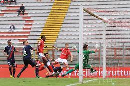 Sfuma il sogno playoff, Cremonese ko 3-1 a Perugia