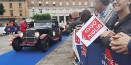 Mille Miglia, la carovana delle auto storiche giunta in città