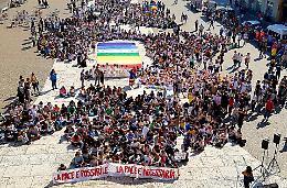 Circolo Acli, Marcia per la pace con polemiche