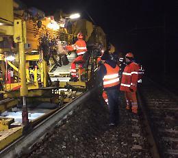 Lavori Rfi, il 'treno cantiere' per sostituire i binari