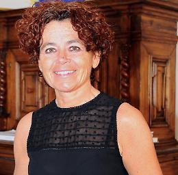 Account di Whatsapp rubato al sindaco Stefania Bonaldi, denuncia
