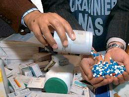 Farmaci irregolari dalla Svizzera sequestrati dai Nas, farmacista denunciato