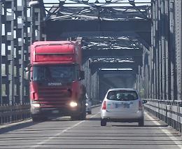 Il ponte sul Po passa all'Anas
