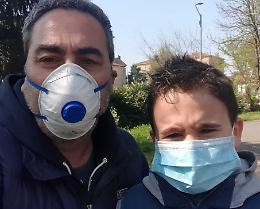 Coronavirus: «Io, in giro con Matti osservato dalla gente»