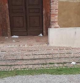 A Santa Maria in Bressanoro bivacco, rifiuti e inciviltà