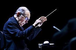 Ennio Morricone, addio maestro: la musica è cinema