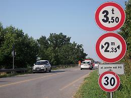 Ponte Verdi chiuso, primi disagi: auto in cerca di percorsi alternativi