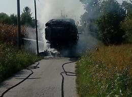 Mietitrebbia prende fuoco, salvo il conducente