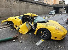 'Il Comune paghi la Ferrari'