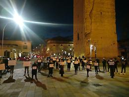 A Castelleone flash mob silenzioso contro il Dpcm