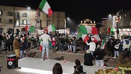 Dpcm, le partite Iva in piazza a Crema: 'Il Governo ci toglie ossigeno'