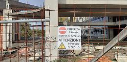 Ex scuola di Cl, «rischio crolli». La recinzione viene rinforzata