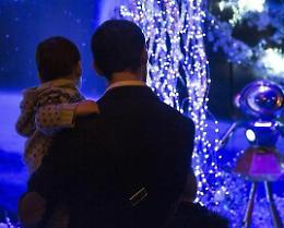 Natale che verrà: regole per shopping, cenone, parenti